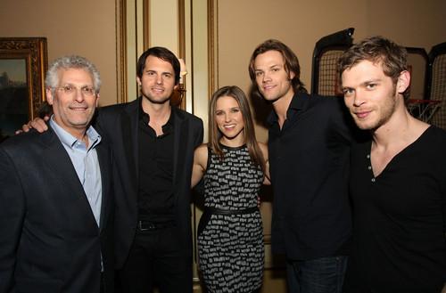 Kristoffer Polaha, Sophia Bush, Jared Padalecki and Joseph morgan