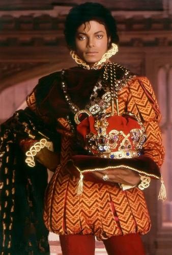 ♛ PORTRAIT OF A KING ♛