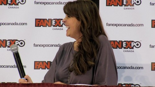 Amanda Tapping Hintergrund entitled AT at Fan Expo 2012