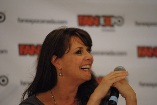 Amanda Tapping Hintergrund titled AT at Fan Expo 2012