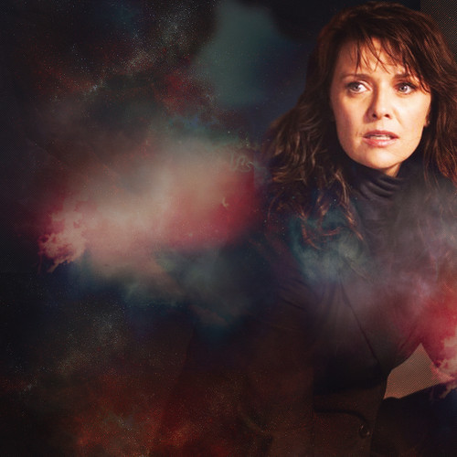 Amanda Tapping Hintergrund possibly containing a feuer titled Amanda Tapping