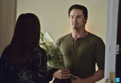 Beauty and the Beast - Episode 1.14 - Tough Liebe - Promotional Fotos