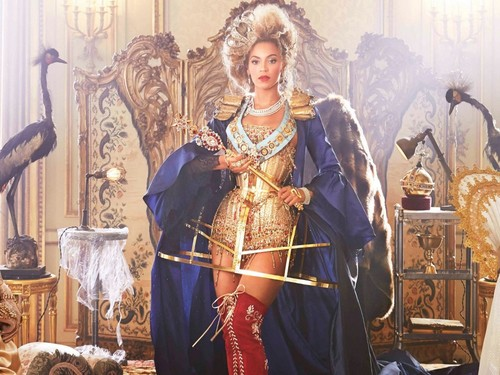 Beyoncé Mrs. Carter