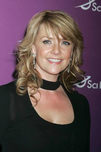 Amanda Tapping achtergrond with a portrait called Blonde Amanda