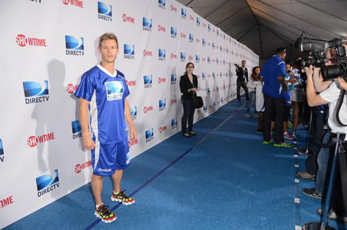 DIRECTV'S Seventh Annual Celebrity plage Bowl - Arrivals