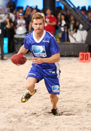 DIRECTV'S Seventh Annual Celebrity spiaggia Bowl - Game