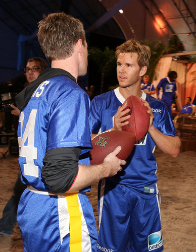 DIRECTV'S Seventh Annual Celebrity tabing-dagat Bowl - Game