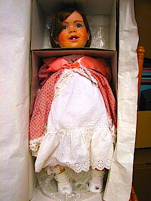 The Debra Glenn Osmond 팬 Page 바탕화면 called The Debbie Osmond Toddler Doll