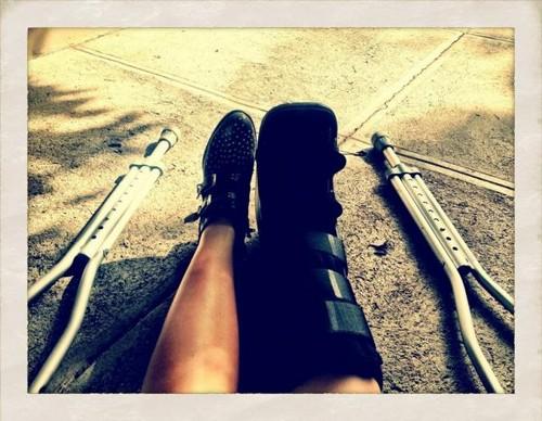 Demi Lovato BROKEN Fibula - 2013