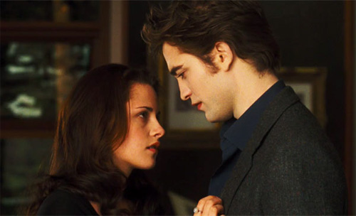New Moon Movie wallpaper containing a business suit titled Edward&Bella