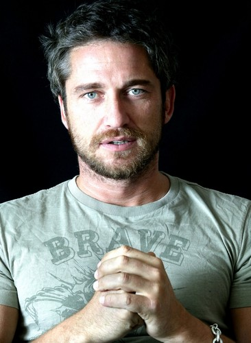 Gerard Butler wallpaper called Gerard Butler photoshoot