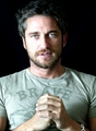 Gerard Butler photoshoot - gerard-butler photo