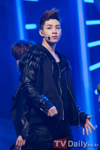 Henry Lau of Suju m!! wallpaper with a concert titled Henry