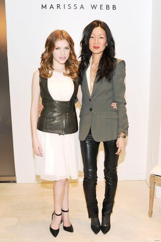January 29: Anna Kendrick and Barney's New York Host a Private 공식 만찬, 저녁 식사 to Celebrate the Launch of the