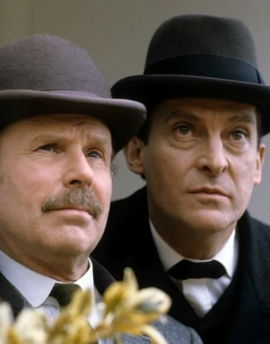 Sherlock Holmes wallpaper containing a business suit, a suit, and a dress suit entitled Jeremy Brett