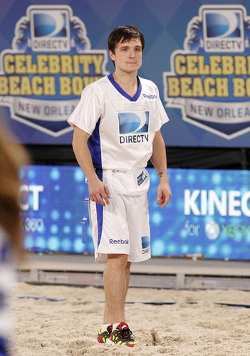 Josh Hutcherson at the DIRECTv Celebrity pantai Bowl (2/2/2013)
