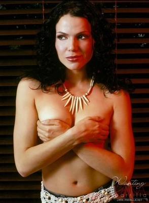 Once Upon A Time kertas dinding with skin entitled Lana Parrilla - So hot