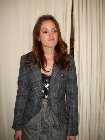 Leighton Meester fond d'écran with a well dressed person titled Leighton GG fitting photos