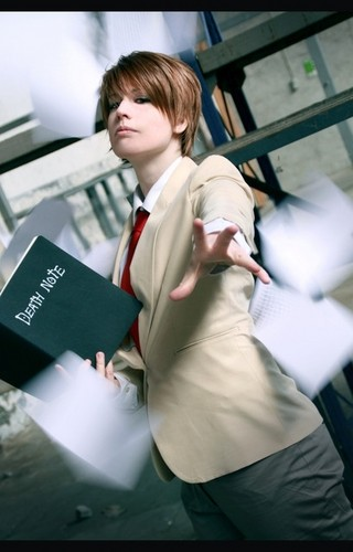 Light Cosplay