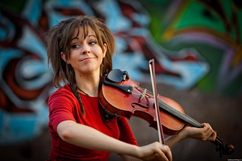Lindsey Stirling 壁纸 with a 小提琴手, 暴力, 中提琴手 and a cello entitled Lindsey
