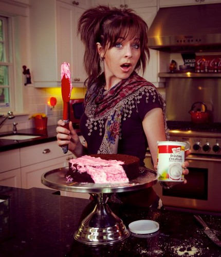 Lindsey Stirling 壁纸 possibly with a frosted layer cake, a cupcake, and a candle called Lindsey