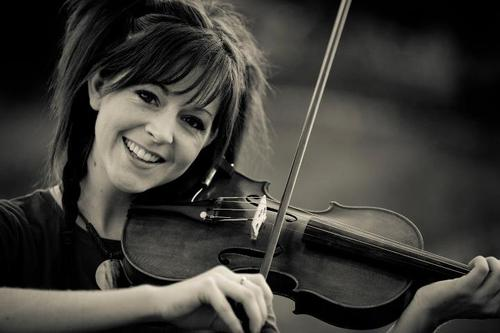 Lindsey Stirling wallpaper with a violist and a cello titled Lindsey