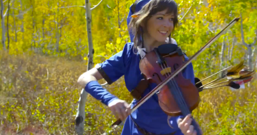 Lindsey Stirling Hintergrund with a bratscher, violist entitled Lindsey