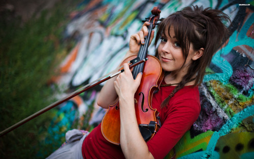 Lindsey Stirling 바탕화면 possibly containing a 음악회, 콘서트 and a guitarist titled Lindsey