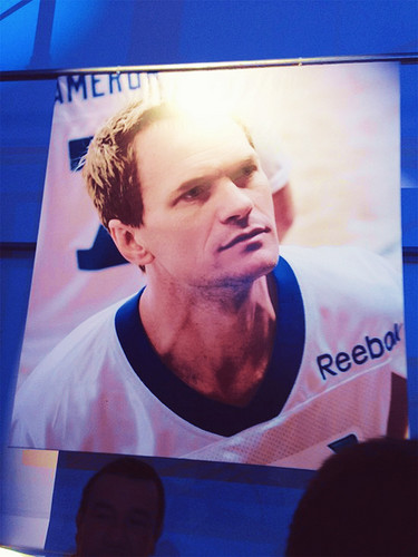 Neil Patrick Harris wallpaper with a sign called Neil @ 2013 Celebrity Beach Bowl