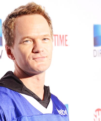 Neil Patrick Harris wallpaper entitled Neil @ 2013 Celebrity Beach Bowl