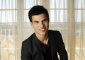 "New Reutner outtakes from ""Eclipse"" promotional tour - taylor-lautner photo"