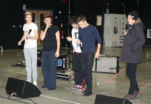 One Direction at rehearsals