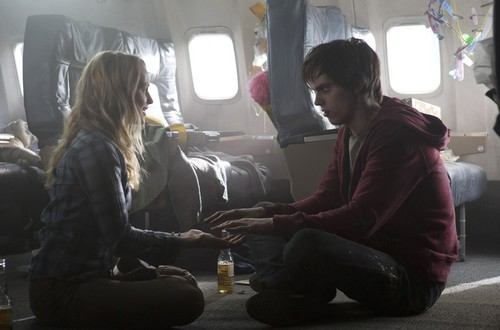Warm Bodies Movie Hintergrund containing a fahrbahn and a business suit called R and Julie