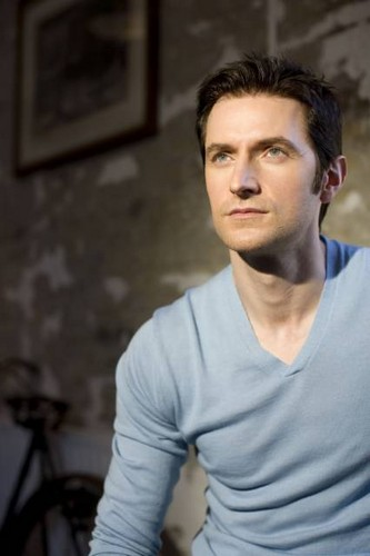 Richard Armitage wallpaper probably with a portrait called Richard Armitage | 2008