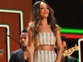 Rihanna performing at the Grammys - rihanna wallpaper