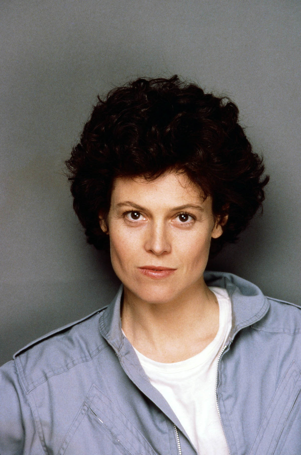 sigourney weaver how tall