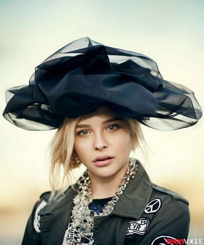 chloe moretz wallpaper possibly with an outerwear titled Teen Vogue 2013