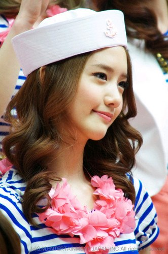 YOONA :) SO CUTE