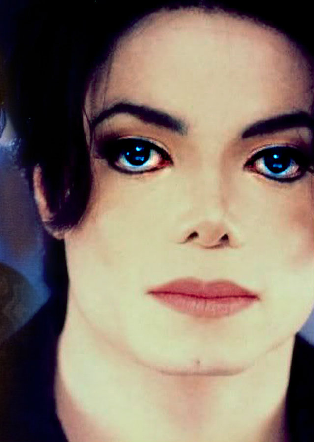 Michael Jackson Beautiful Eyes michael with blue eyes he s