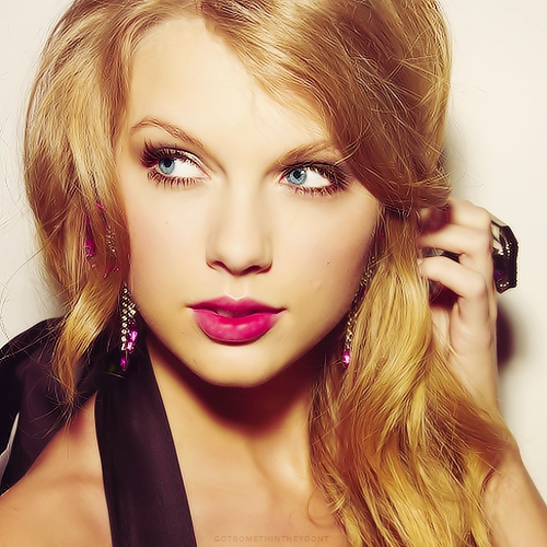 Taylor Swift wallpaper entitled <33