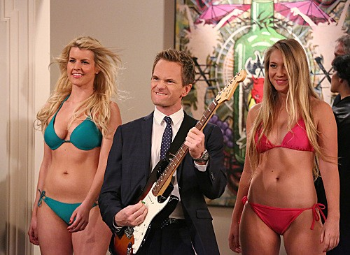 """How I Met Your Mother Season 8 Episode 17 """"The Ashtray"""" - promotional foto"""