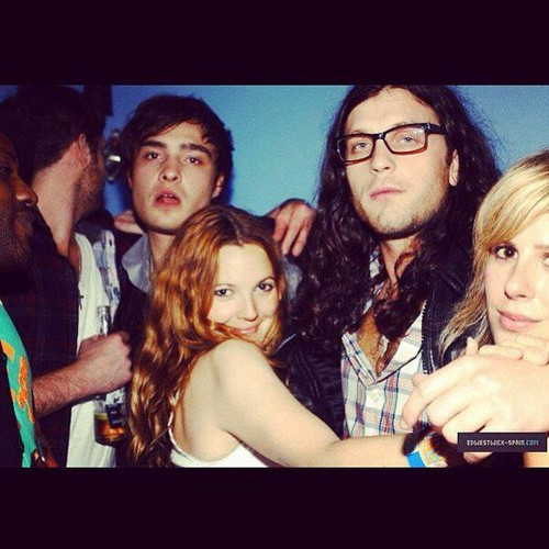 2008 / Ed with Drew Barrymore and Kings of Leon
