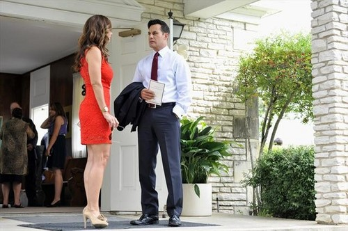"2x08 ""Bride and Go Seek"" spoiler pics"