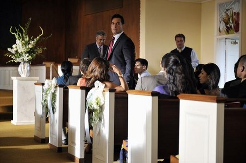 "2x08 ""Bride and Go Seek"" spoiler pics"