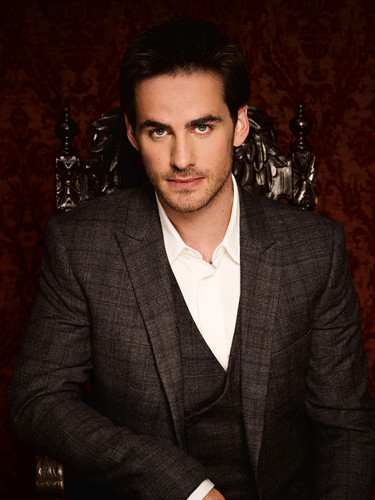 Colin O'Donoghue kertas dinding with a business suit and a suit entitled Colin O'Donoghue ♥