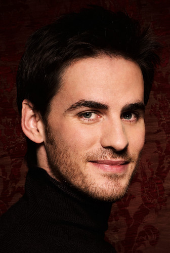 Colin O'Donoghue দেওয়ালপত্র with a portrait titled Colin O'Donoghue ♥