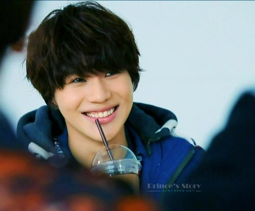 Cute Taemin in SHINee Wonderful دن