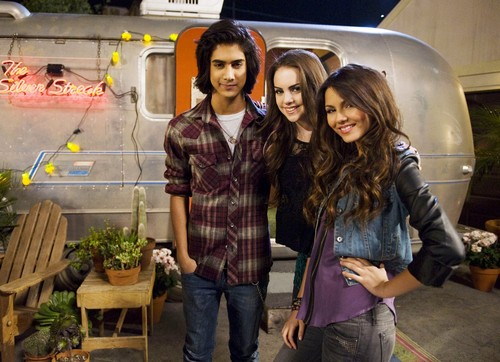 Jade and Beck and Tori