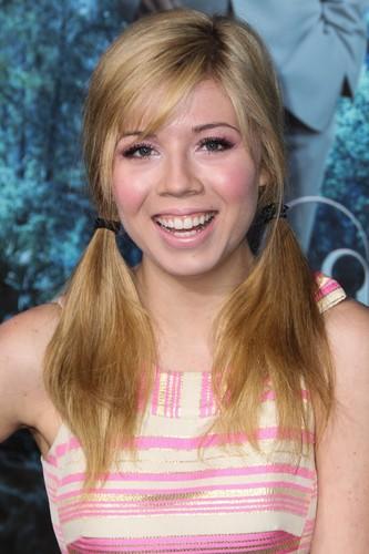 Jennette McCurdy (2013)