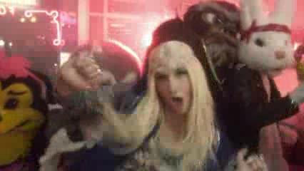 ke$ha - C'mon {Music Video}